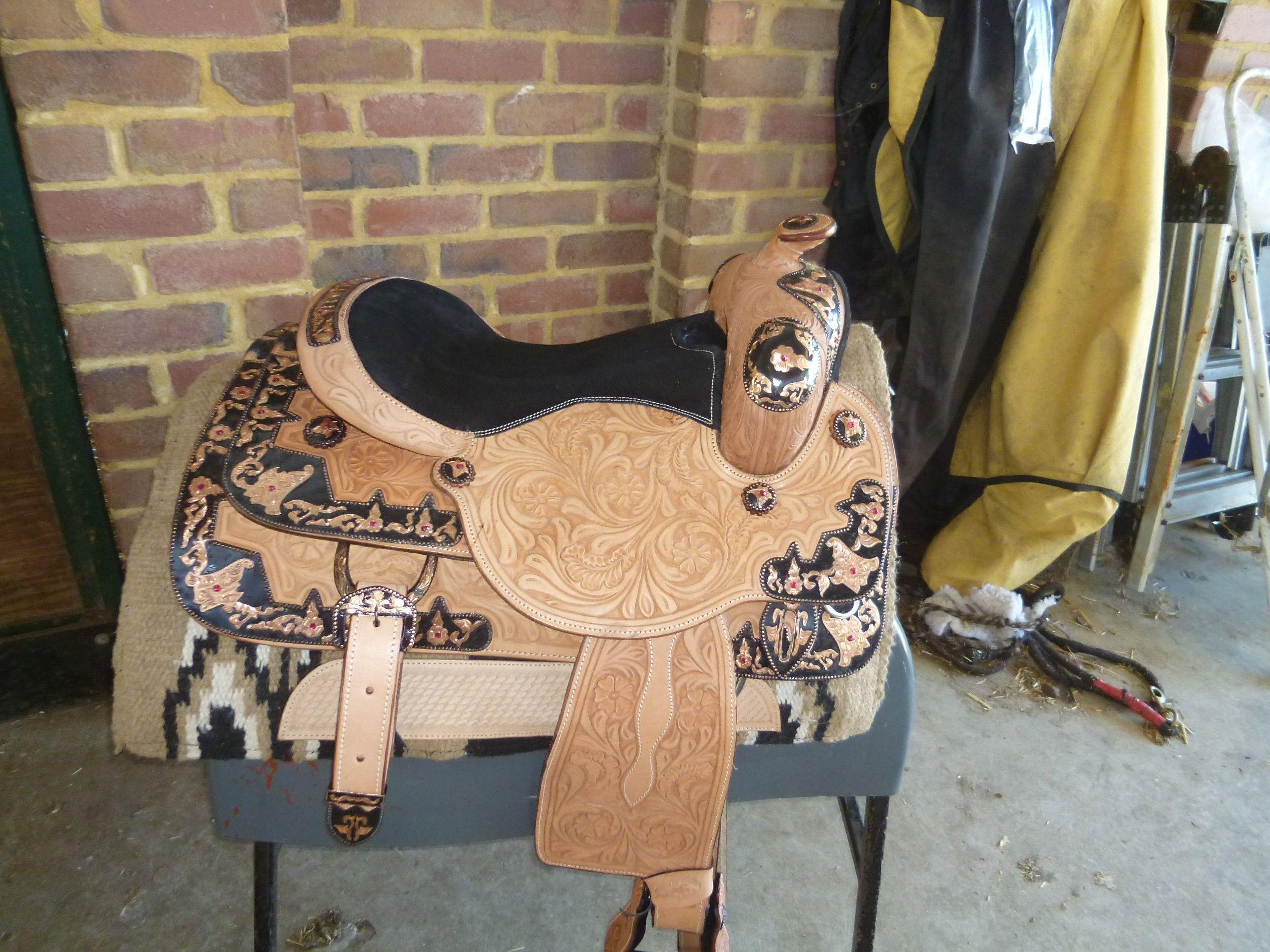 western show saddle 740415 black metal work